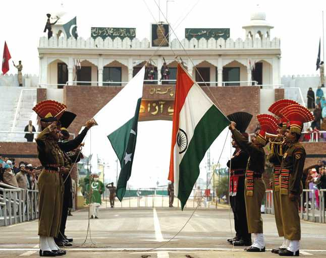 Crossing the Wagah border between India and Pakistan