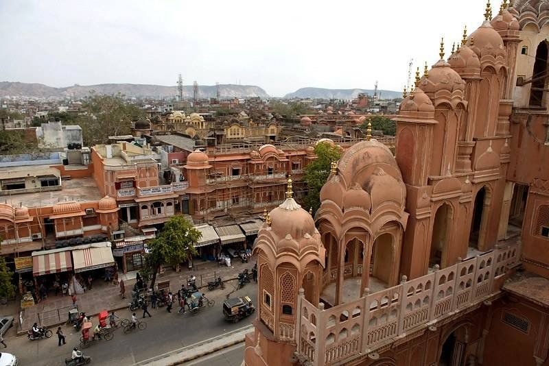 A Crisp Guide to Jaipur – Sights, Shopping and Food