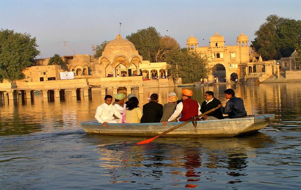 Prowling Leopards, Living Forts, Pristine Dunes & Rajasthan's uncanny ability to Surprise still!