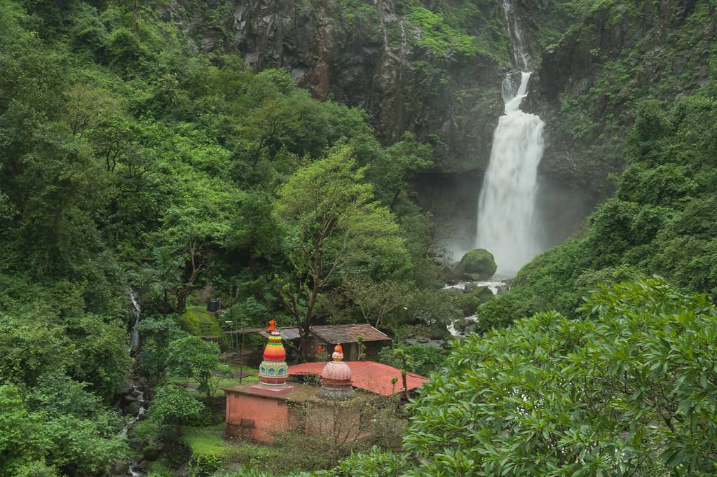 Marleshwar Temple and Waterfall: A free Travel guide to Shiva's home with the snakes!
