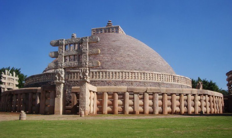 Family Tour Package of Bhopal With The Great Sanchi