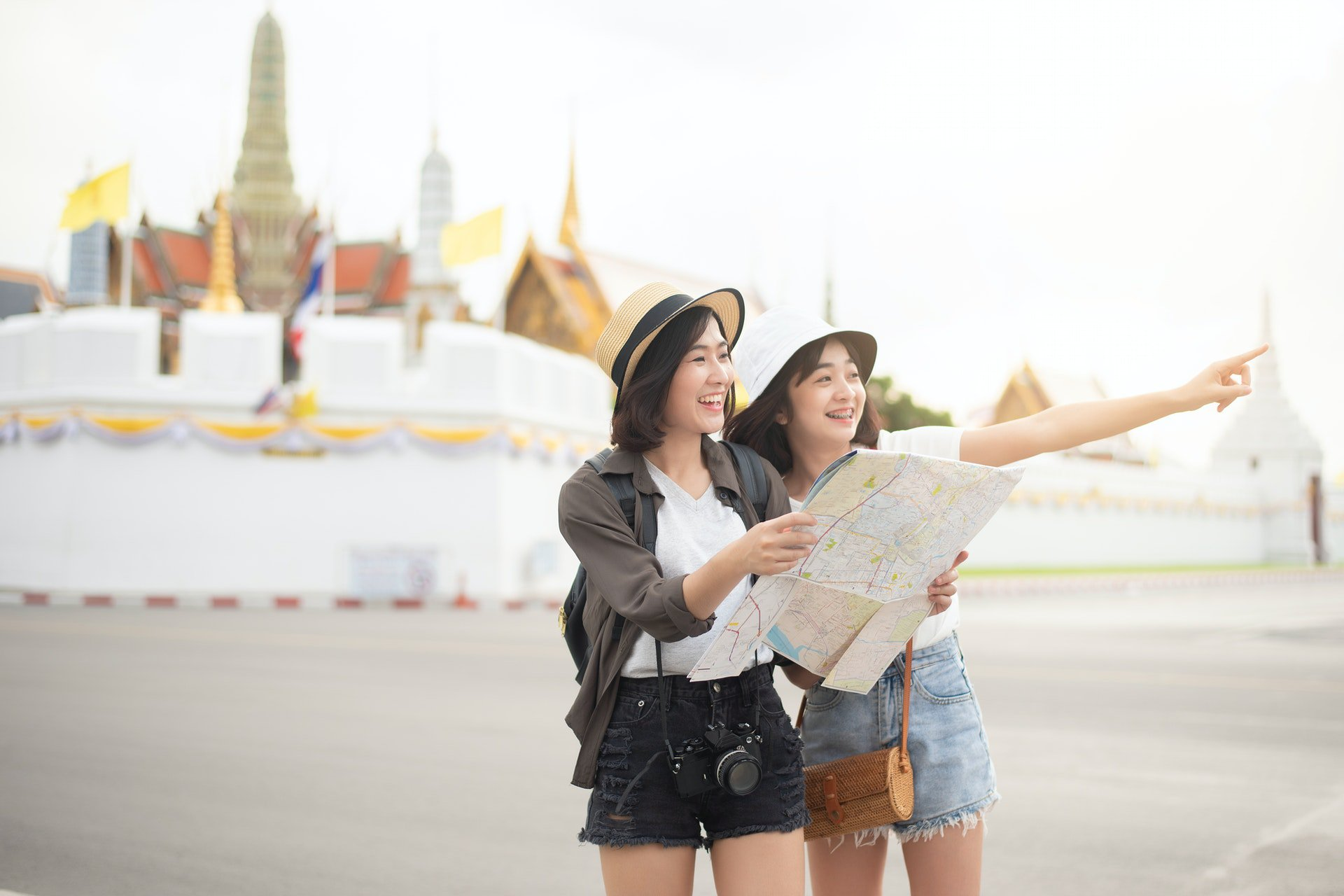 Using a Travel Site to Create Your Happy Travel Dream Destination